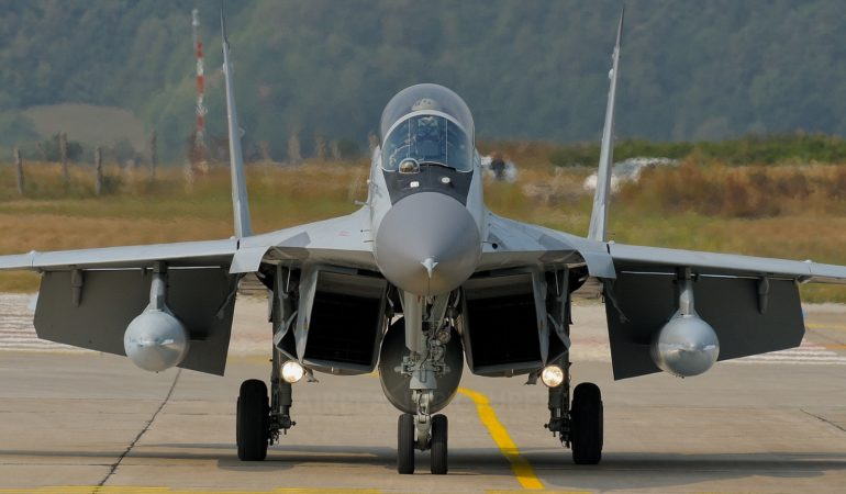 Russian MiGs Arrive in Serbia