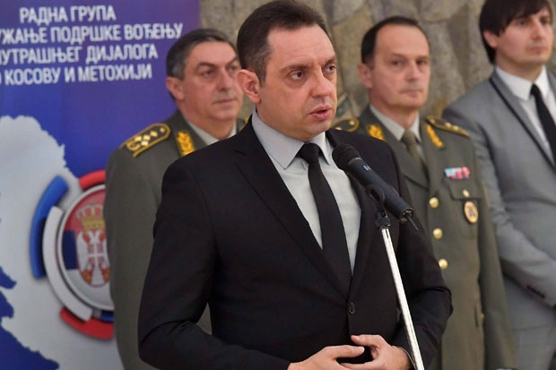 Serbian Defense Minister Furious About Silence Following Attacks on Serbs in Kosovo