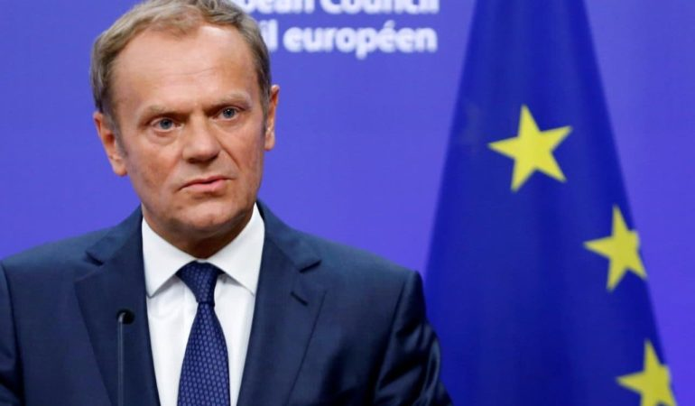 Vucic to Tusk: Talks resume with Pristina when tariffs are lifted