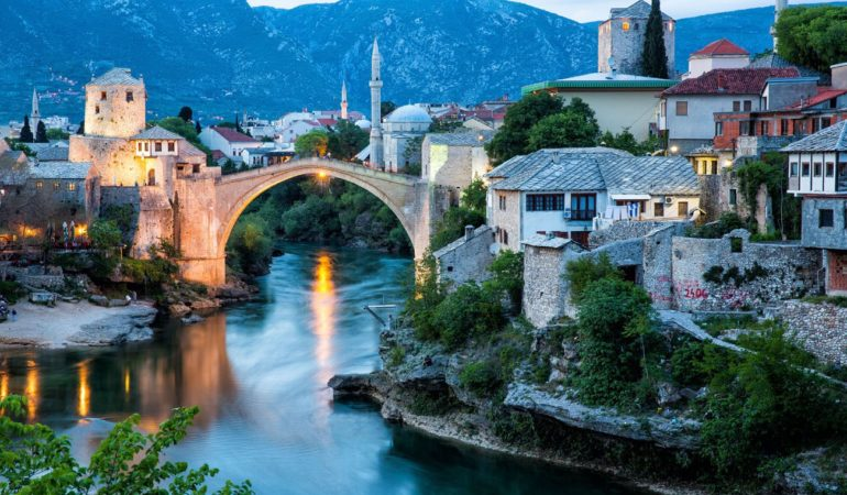 Serbian President in Mostar to Meet Full BiH Presidency, Croatian President