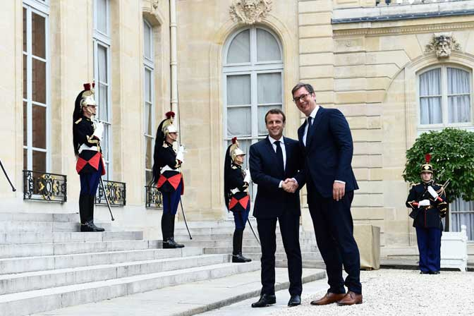 Vucic Discusses Kosovo, Rule of Law, and EU Ambitions with French President in Paris