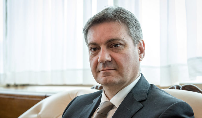 Zvizdic: Only State Institutions Decide on Migrant Issue